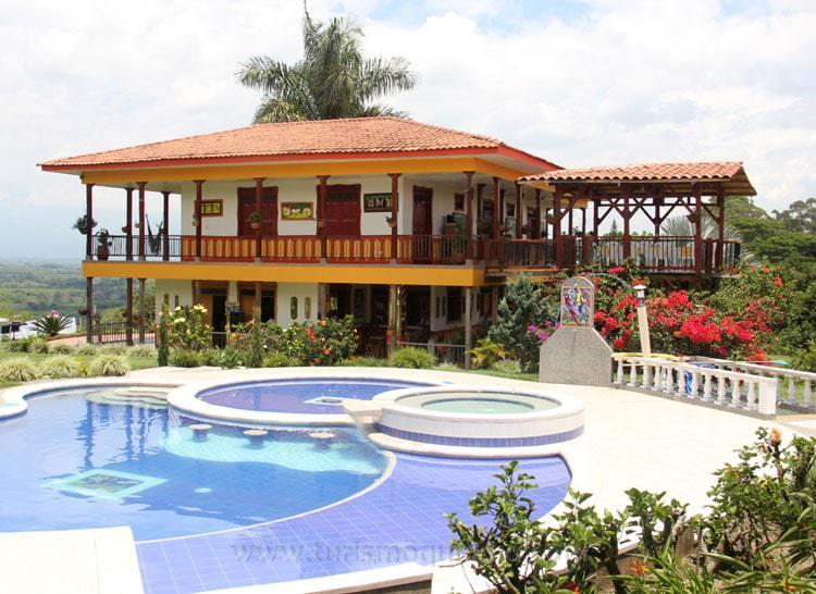 Finca hotel tucurinca19g turismo quindio for Casas de campo en alquiler baratas en sevilla
