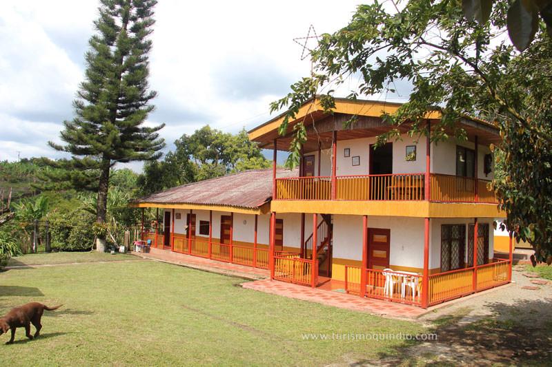 Finca la esperanza13g turismo quindio for Casas en la finca