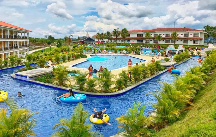 parque acuatico Hotel Las Camelias