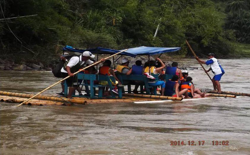 balsaje por el rio la vieja en el Quindio