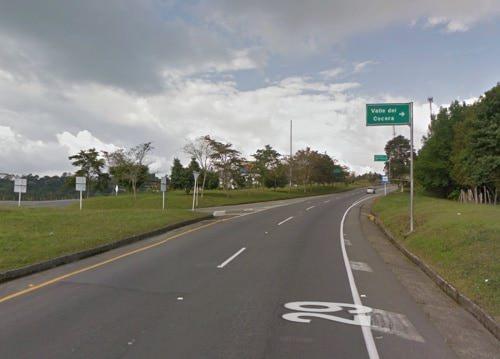 Autopista del Cafe, desvío a Salento y Valle de Cocora