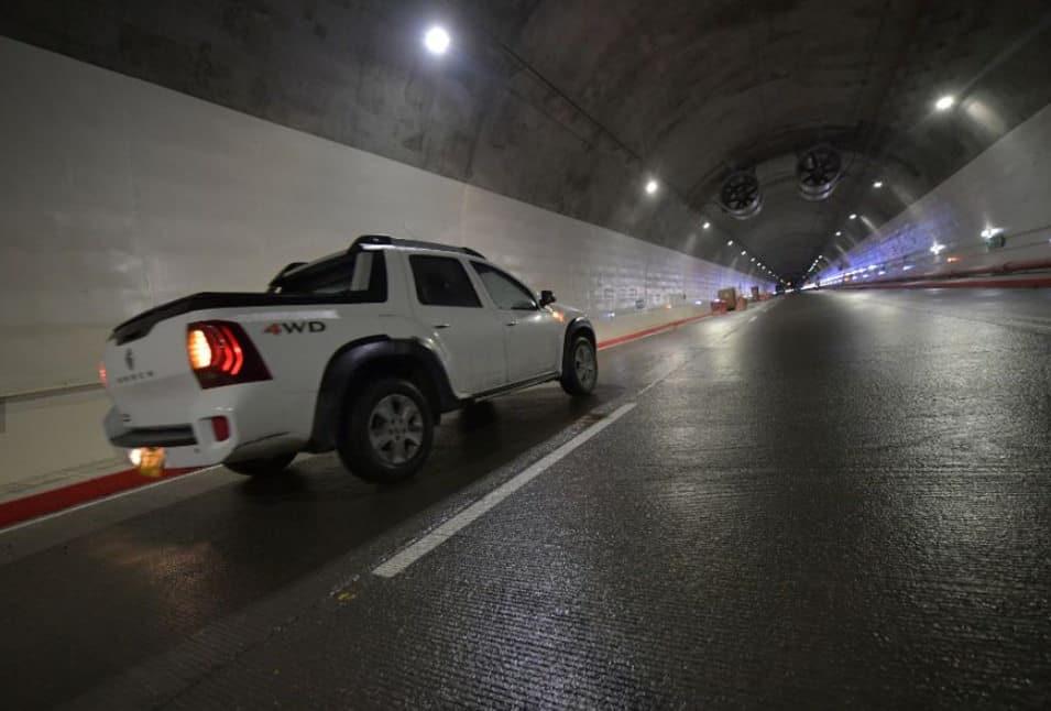 Tunel de la linea Agosto 2020